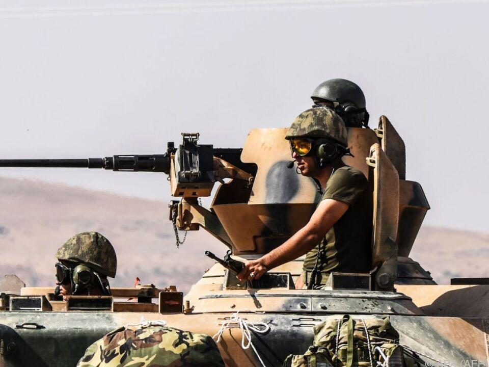 Türkischer Panzer in Nordsyrien krieg