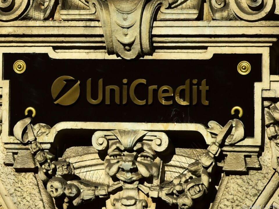 UniCredit-Aktie wegen Kursschwankungen kurz vom Handel ausgesetzt