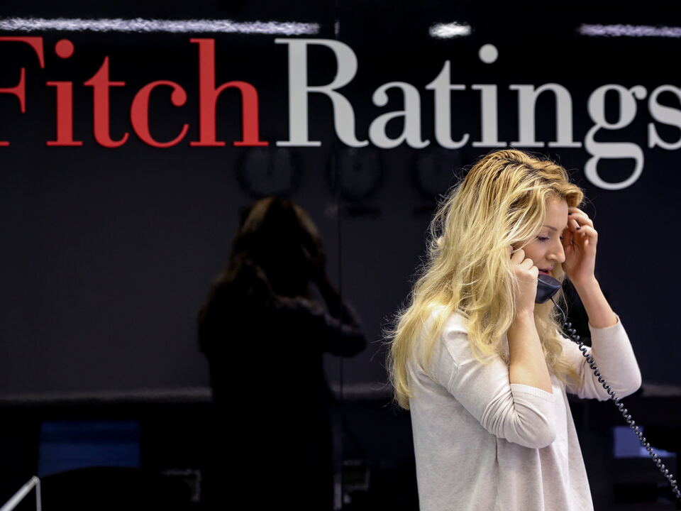 Fitch Ratings lowers Russia\'s credit ratings