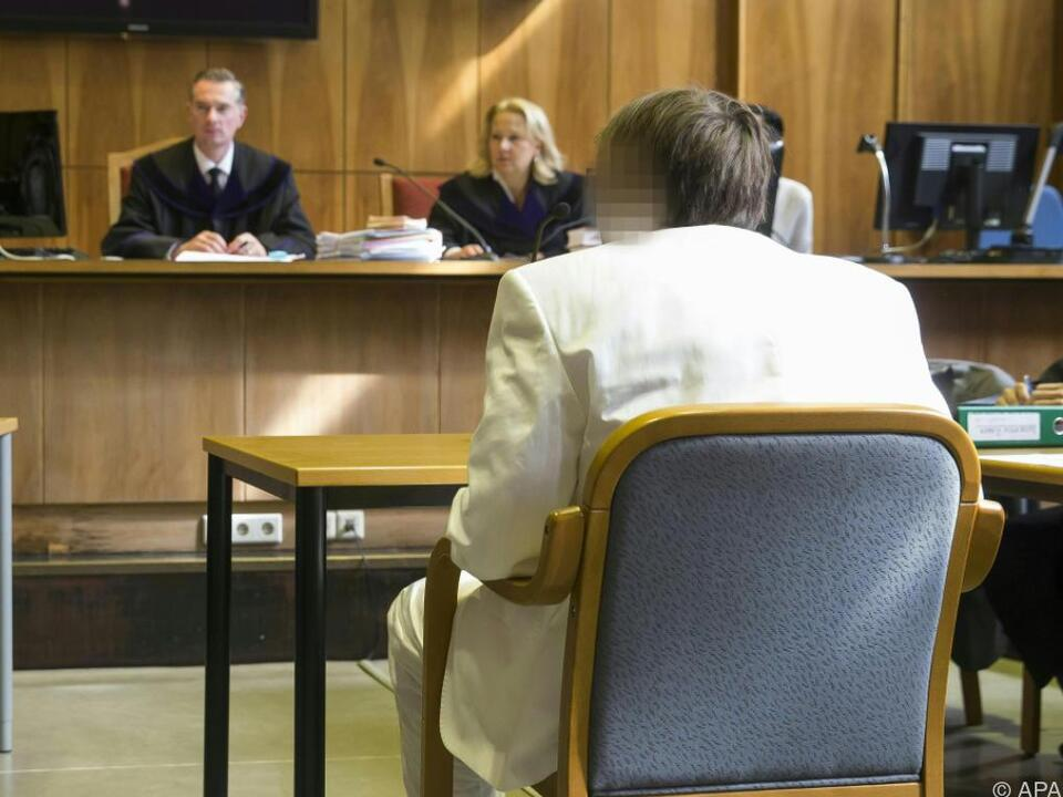 Alen R. musste auf Wunsch eines Zeugen den Saal verlassen