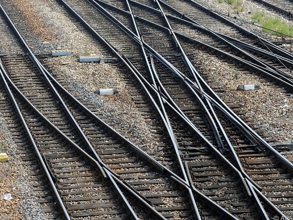 Auch die Gleise sollen modernisiert werden zug