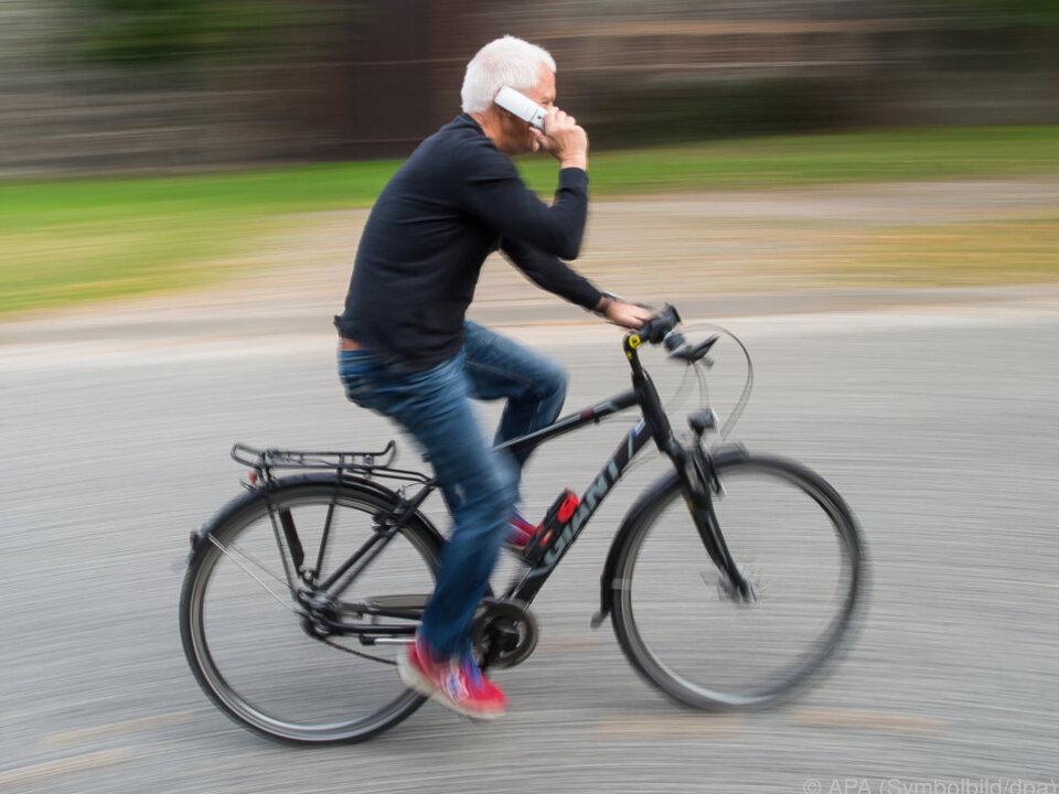 Auf jeden Einwohner kommen eineinhalb SIM-Karten fahrrad handy