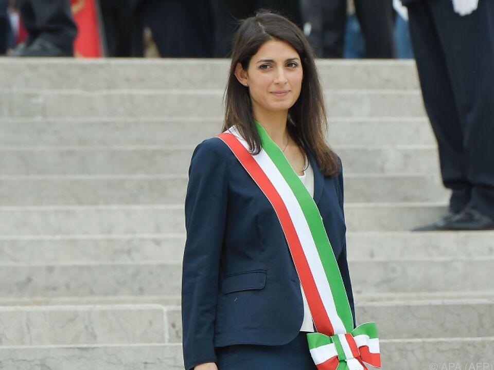 Beliebtheit von Roms Bürgermeisterin Virginia Raggi im Sinken