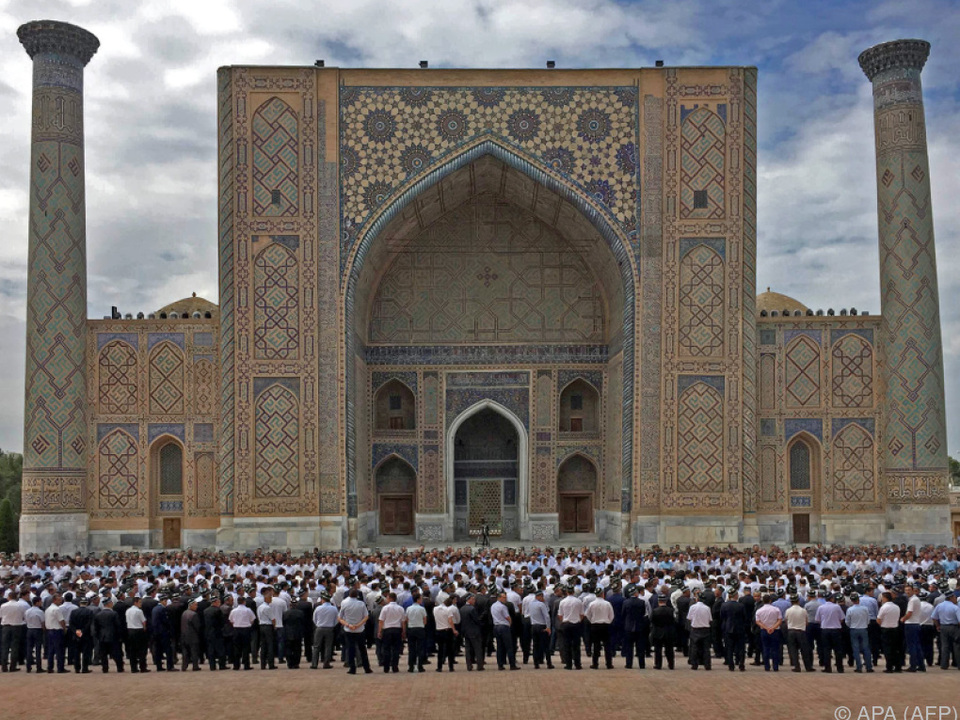 Das Begräbnis fand in Samarkand statt