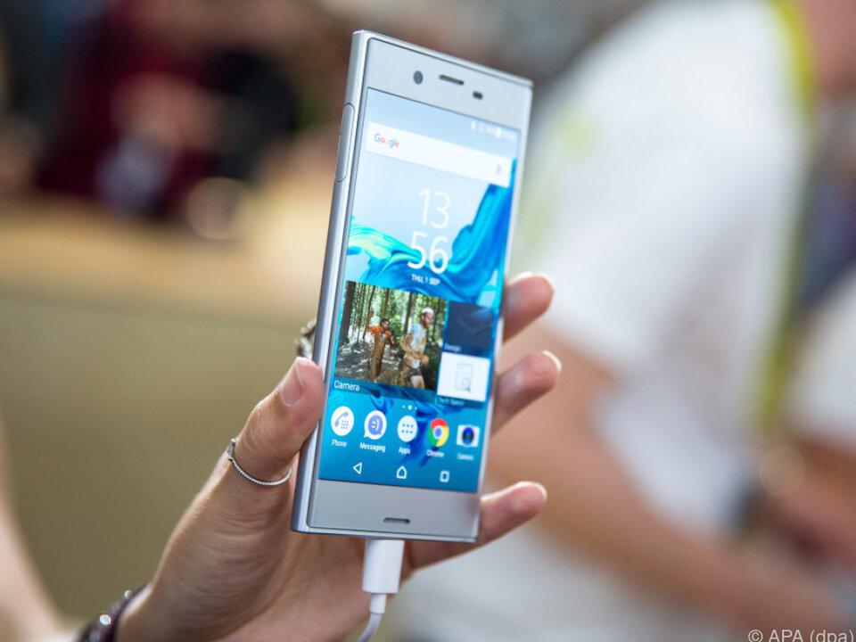 Das Smartphone besitzt eine Bildstabilisierung auf fünf Achsen