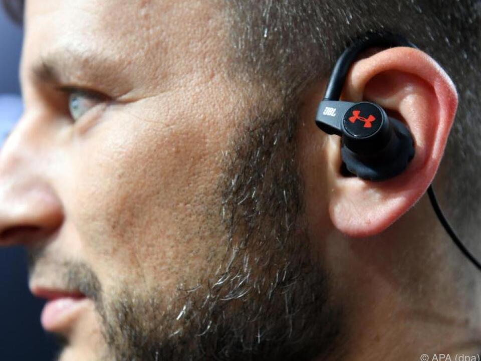 Der Sport Wireless Heart Rate spielt Musik und misst den Herzschlag