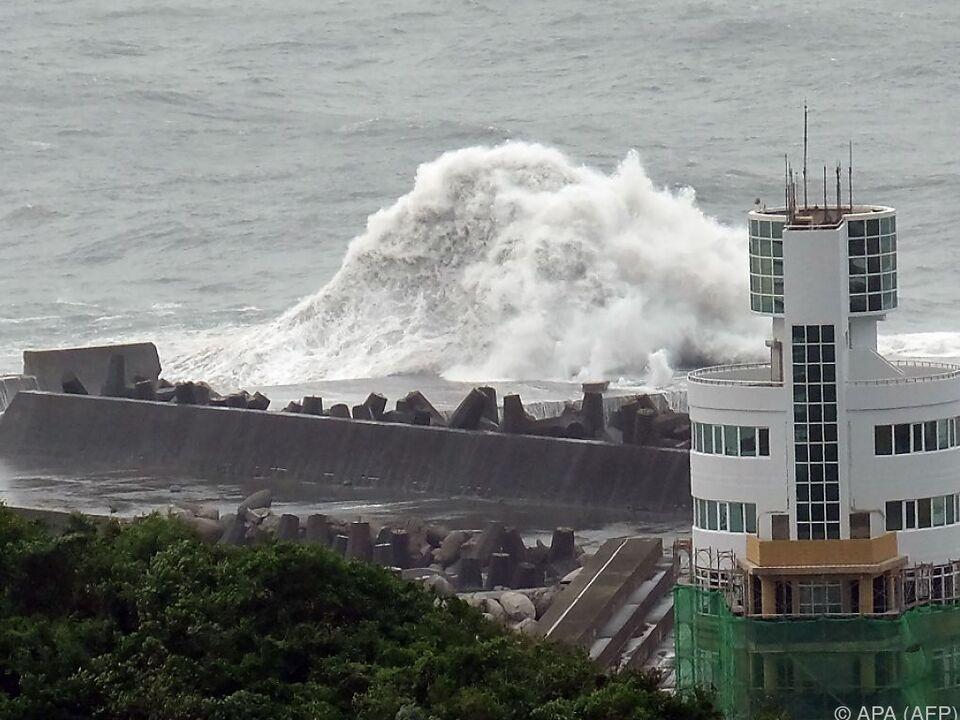 Die Wellen wurden bis zu elf Meter hoch