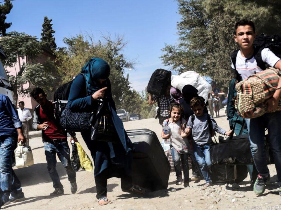Flüchtlinge können mit Geld Nahrung kaufen
