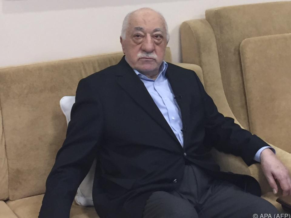 Gülen und Erodogan beschuldigen sich gegenseitig für den Putsch