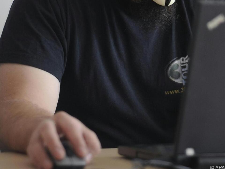 Kunden kauften über das Internet Waren, die sie nie erhielten computer maus internet