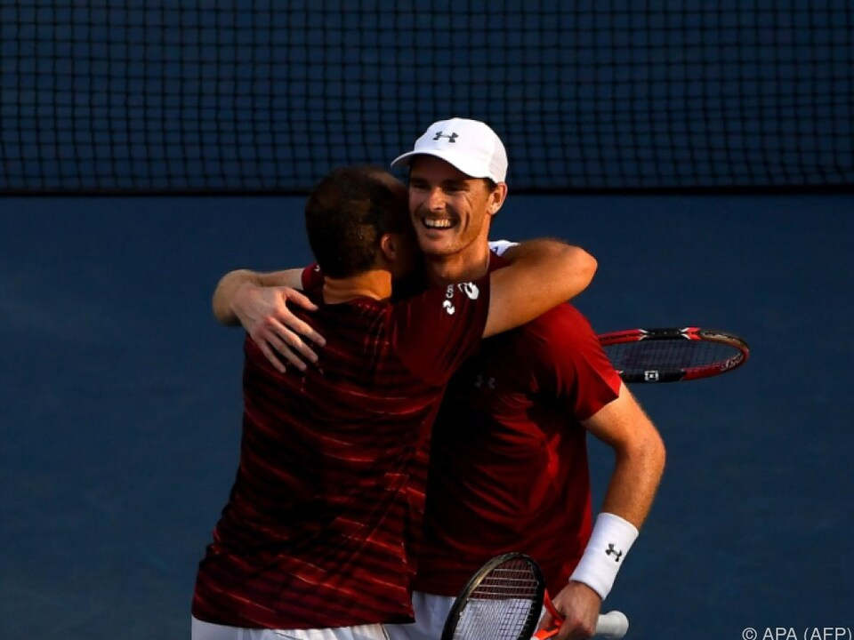 Murray und Soares freuen sich über den Sieg