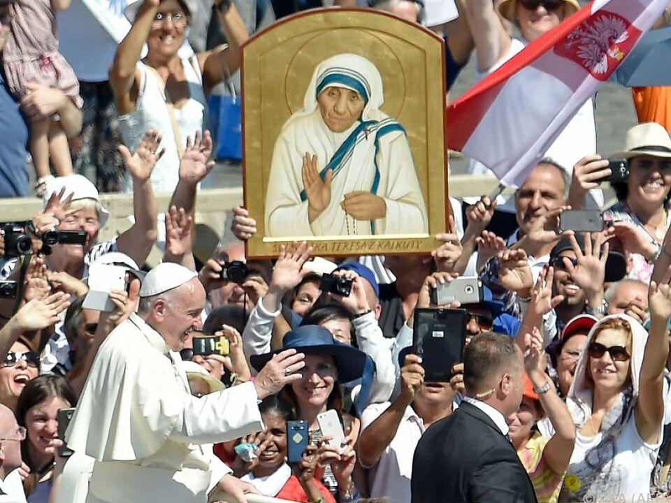 Mutter Teresa allgegenwärtig