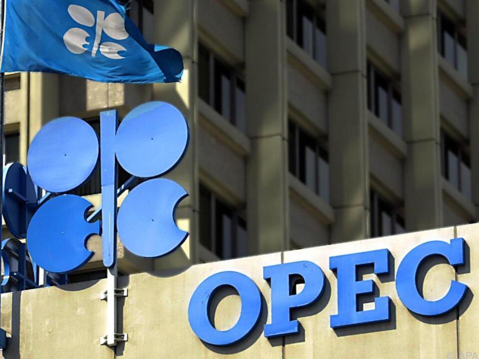 OPEC-Insider berichten von Drosselungsplänen