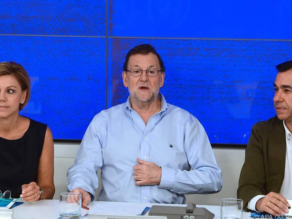 Rajoy bleibt in seiner PP im Sattel