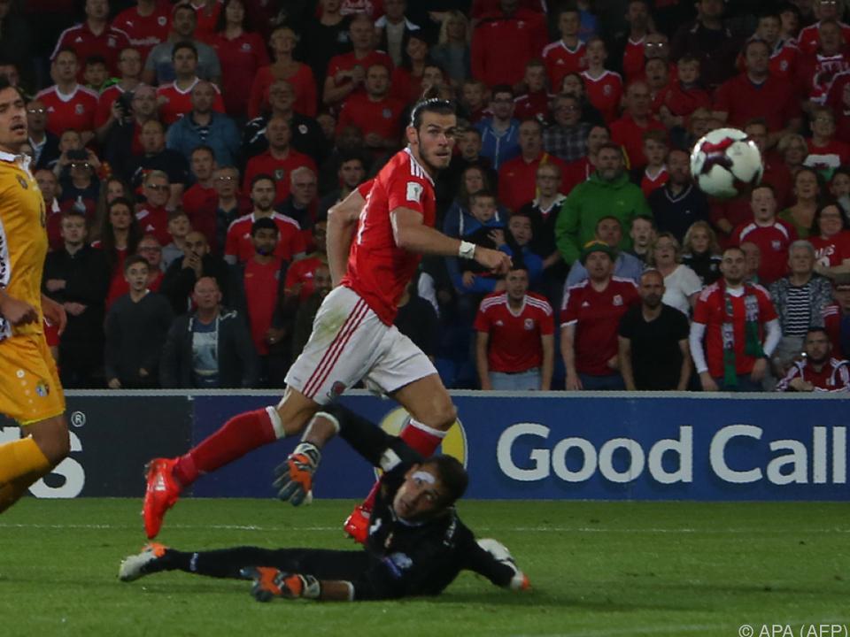 Superstar Bale traf zwei Mal