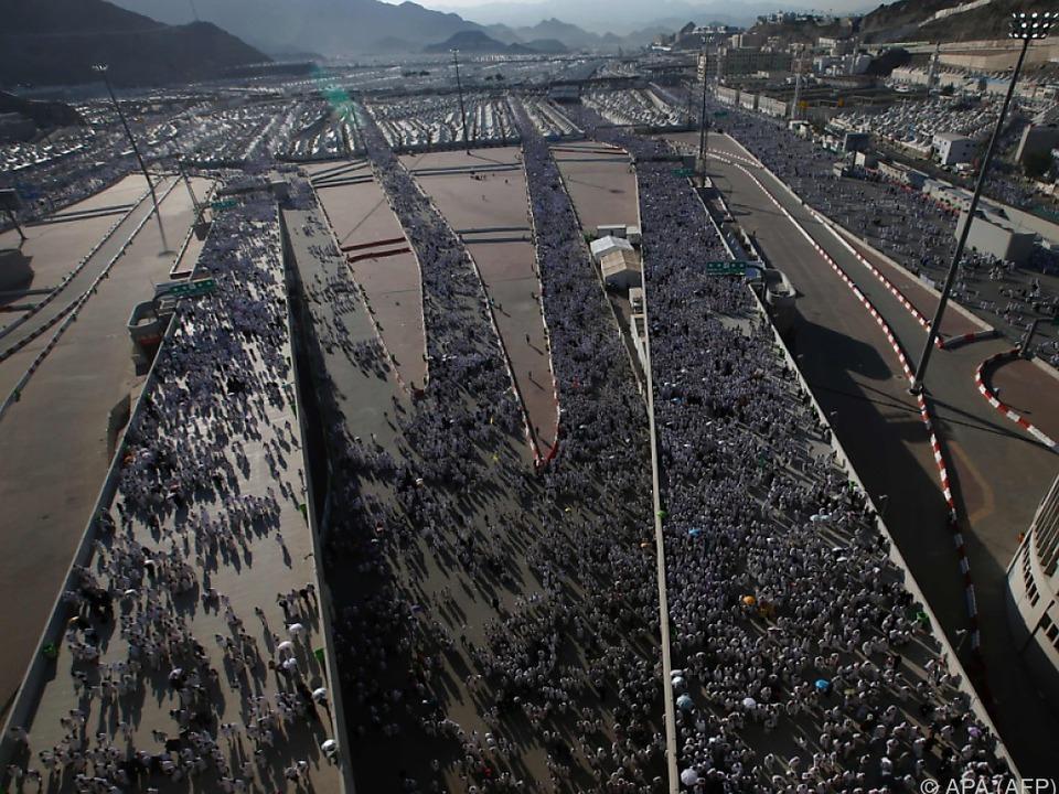 Tausende Pilger unterwegs