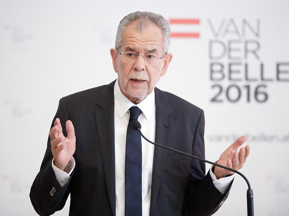 Van der Bellen will u.a. eine Wahlplakate-Pause