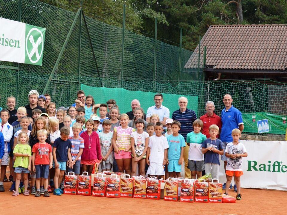 VSS_Raiffeisen_Tennis_LM_Gruppenfoto