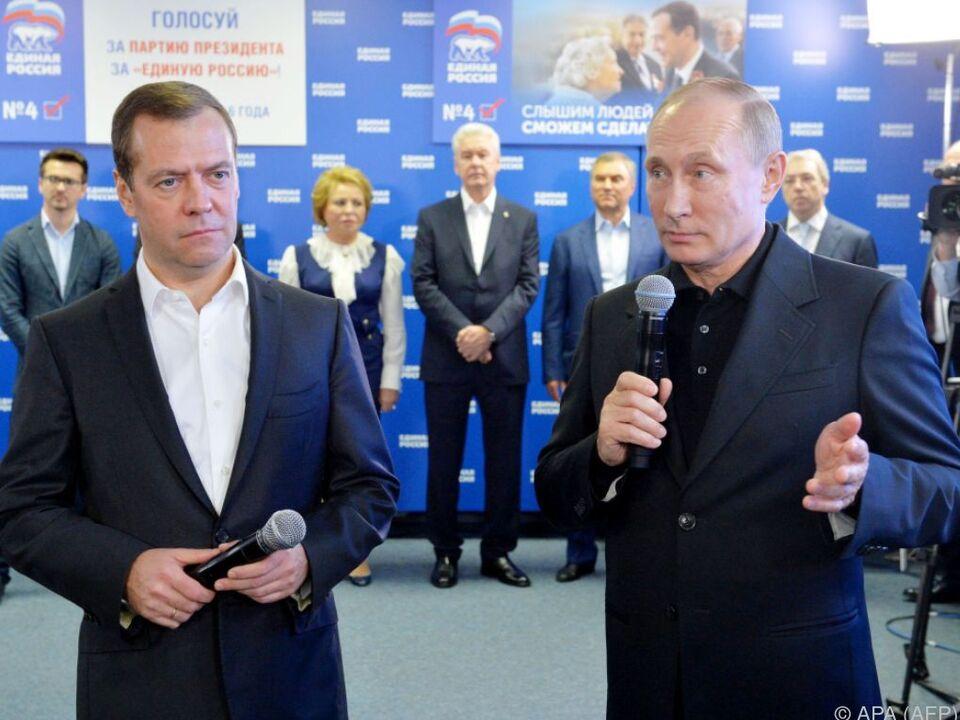 Wahlsieger Medwedew und Putin