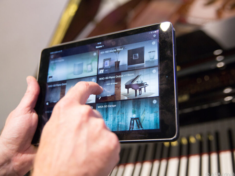 Alle Netzwerkfunktionen lassen sich per Tablet über eine Webapp steuern