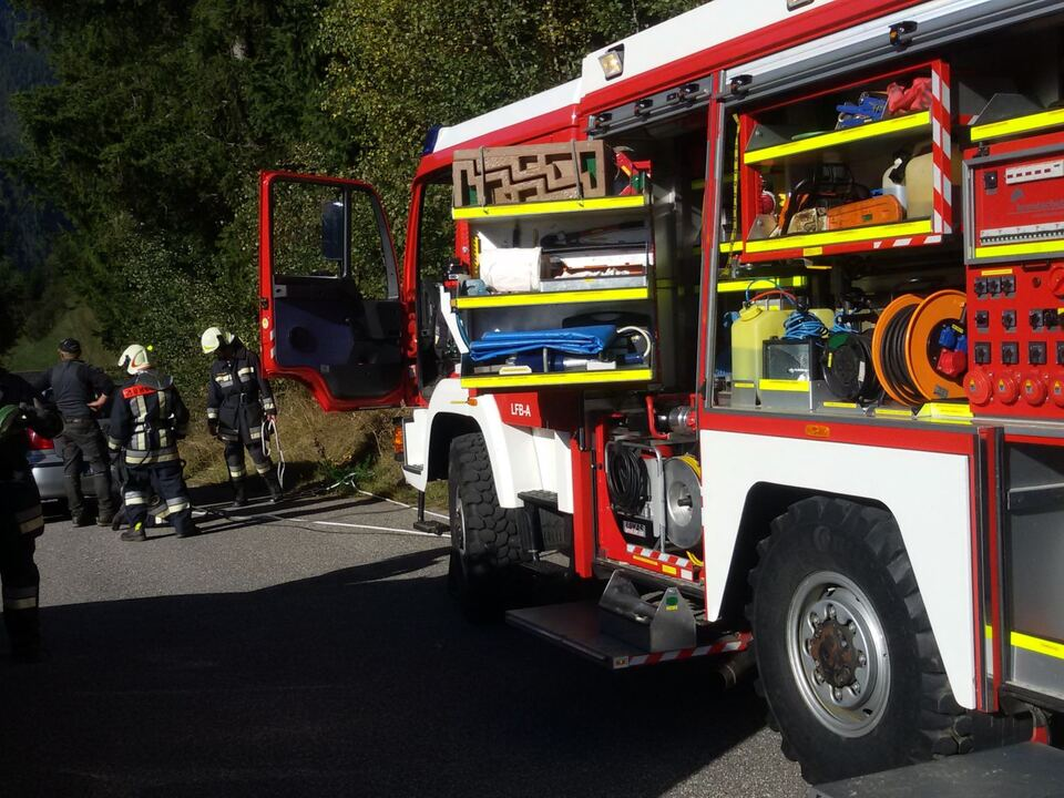 Feuerwehr Bergung Pkw Freiwillige Feuerwehr Mühlwald