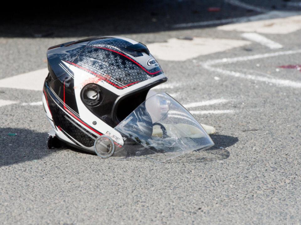 81 Motorradfahrer verunfallten bisher 2016 auf Österreichs Straßen motorrad unfall