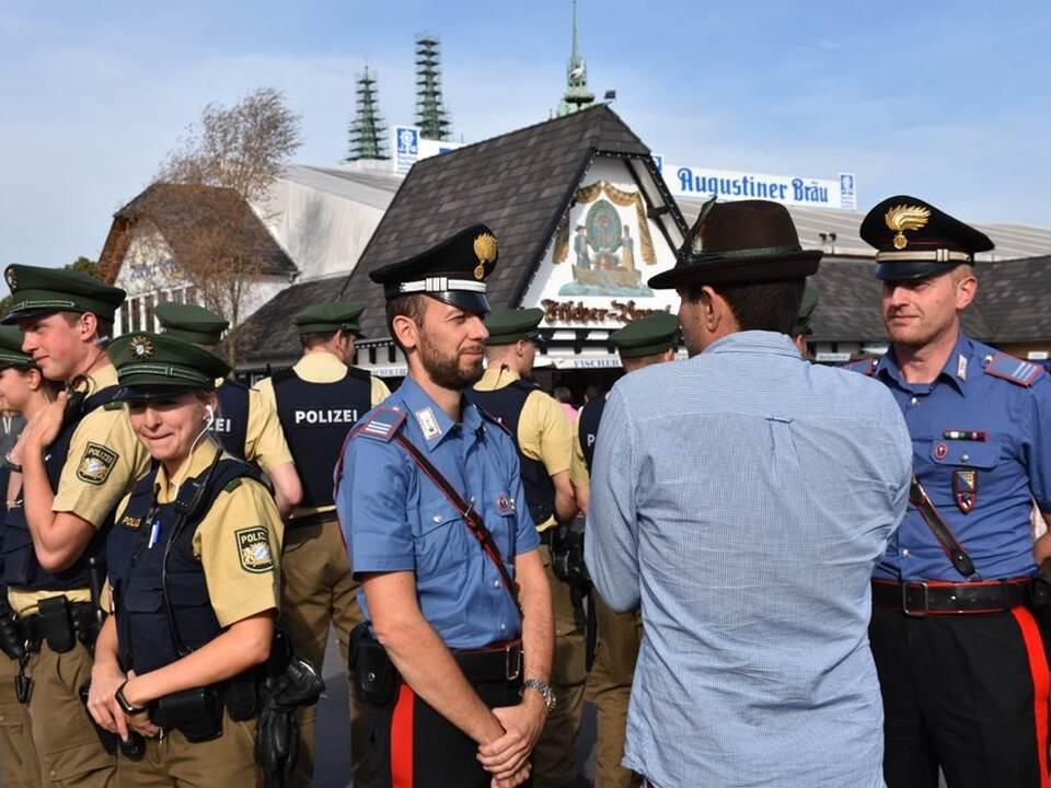 Carabinieri München Wiesn Okotberfest