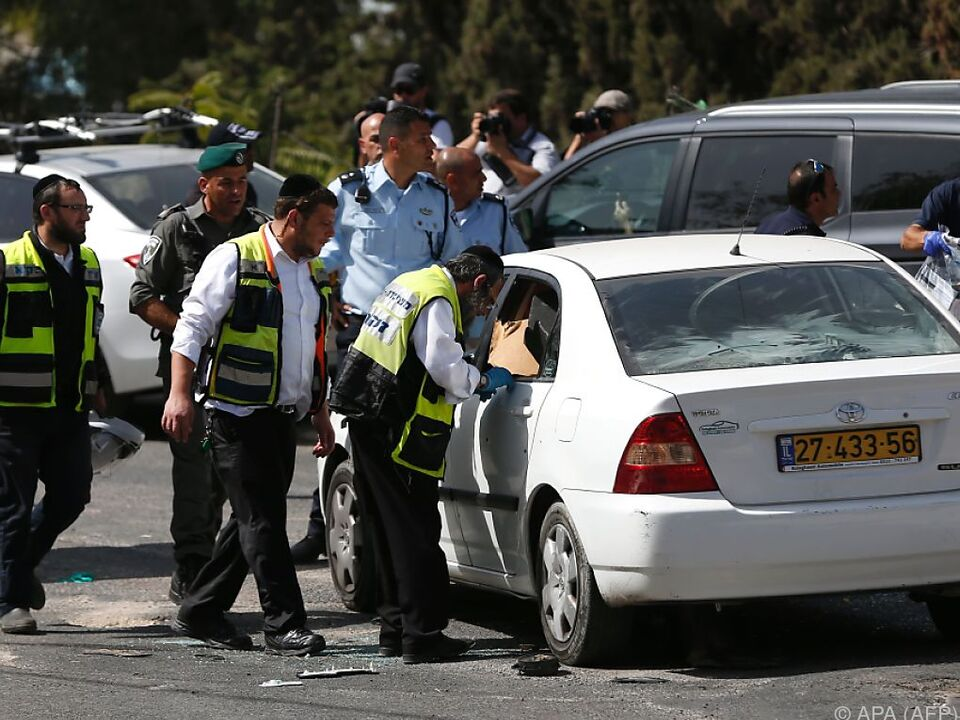 Der Angreifer wurde in seinem Wagen erschossen