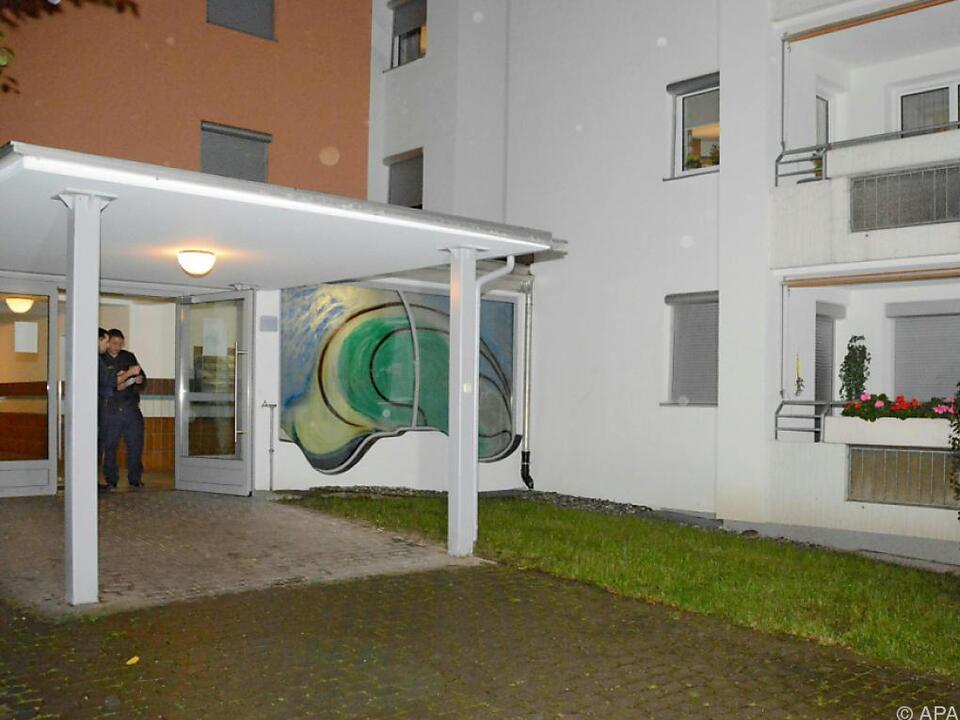 Die Tatverdächtige (49) verließ die Wohnung über den Balkon