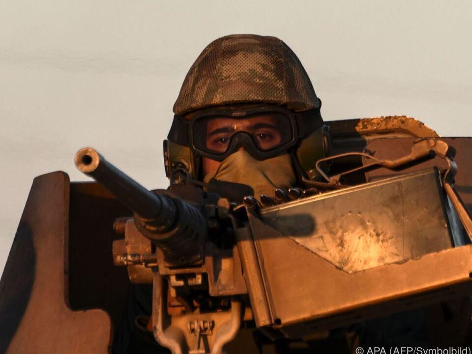 krieg Die Türkei bildet Kämpfer gegen den IS aus