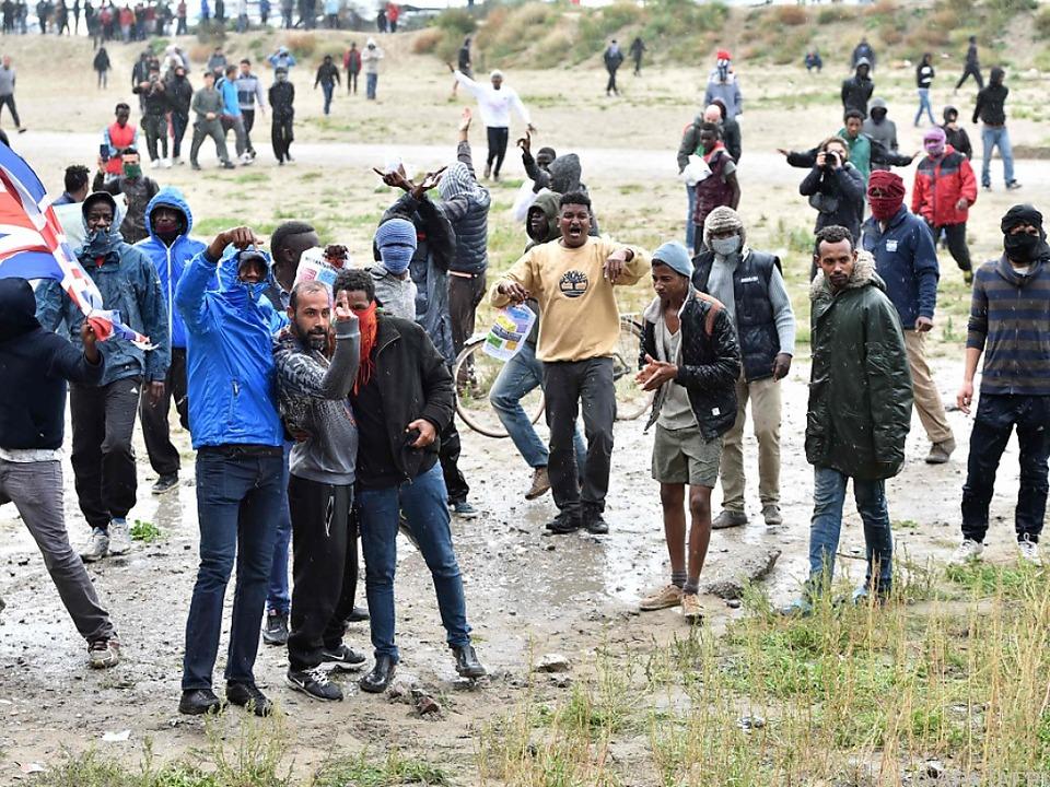 Die Unruhe unter den Migranten wächst