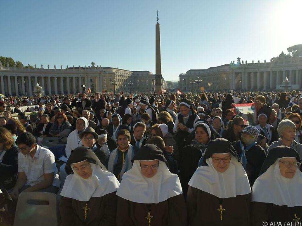 Die Zeremonie auf dem Petersplatz fand bei strahlender Sonne statt