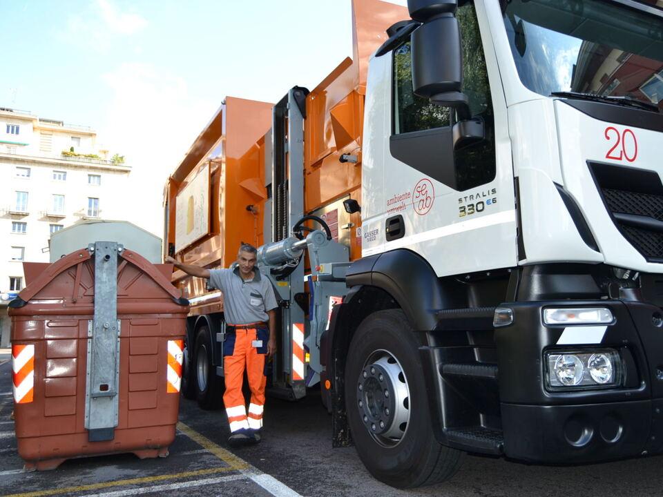 SEAB Müllentsorgung Laster neu