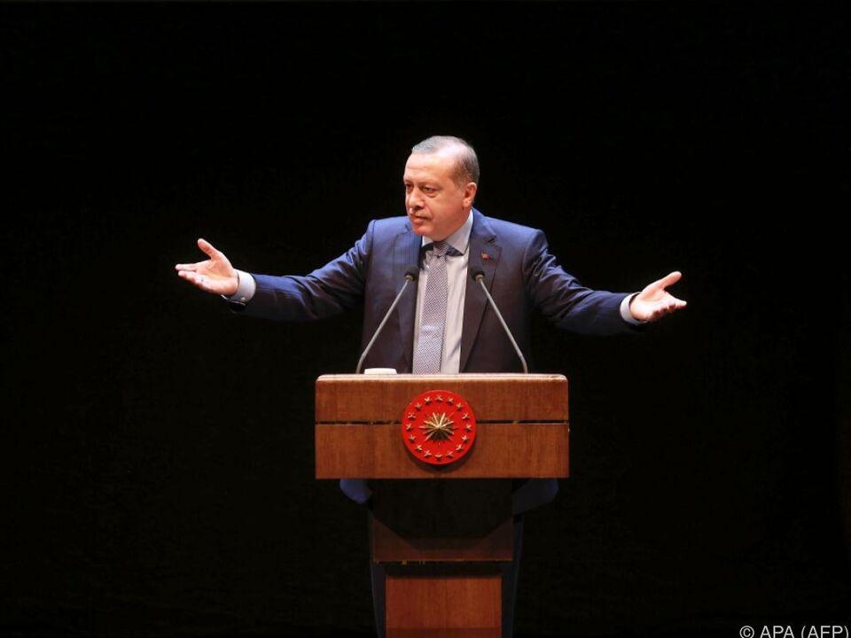 Erdogan begeisterte in Konya seine Anhänger