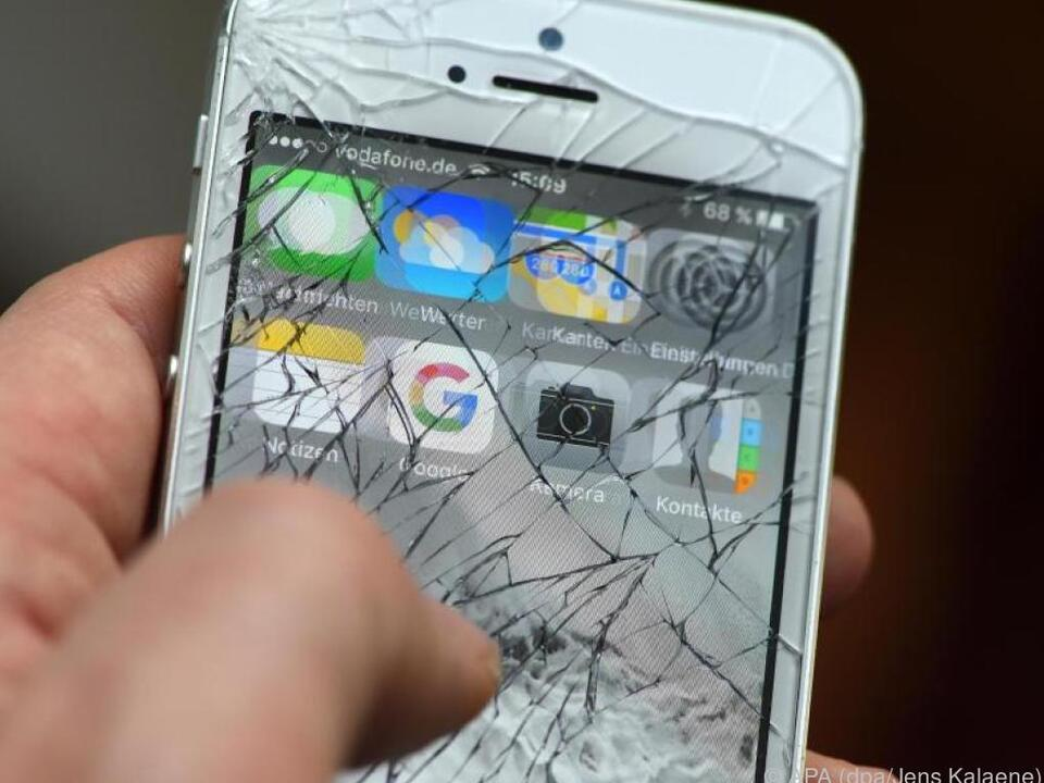Erst die Daten löschen, dann das Handy in Reparatur geben
