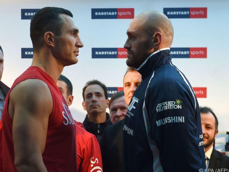 Fury - Champion dreier Boxverbände - tritt doch nicht ab