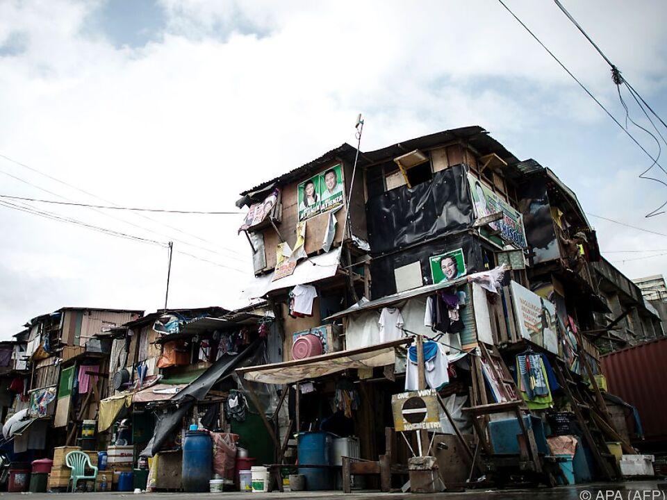 In vielen Ländern der Welt leben Menschen in Slums, wie hier in Manila