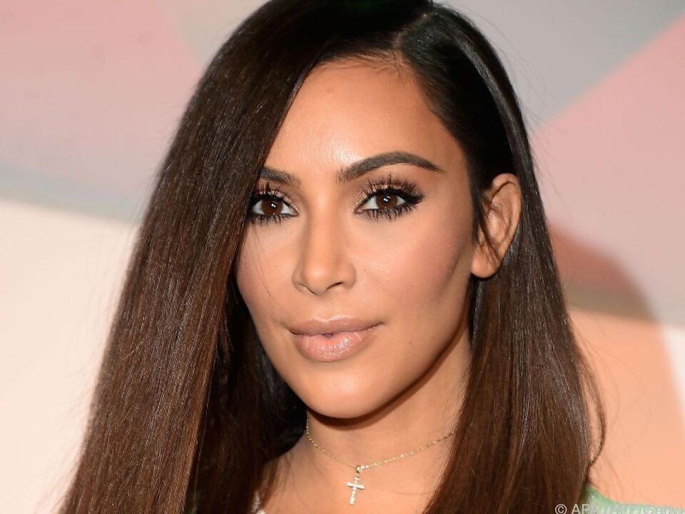 Kardashian konnte ihre Fesseln selbst lösen