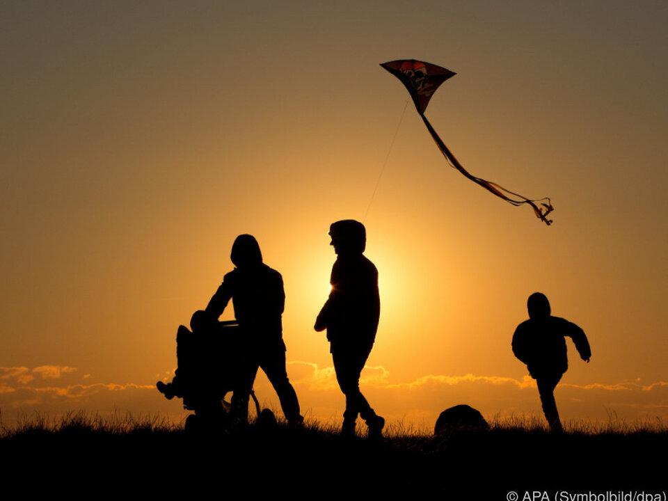 familie Karenz und Elternteilzeit soll ausgeweitet werden