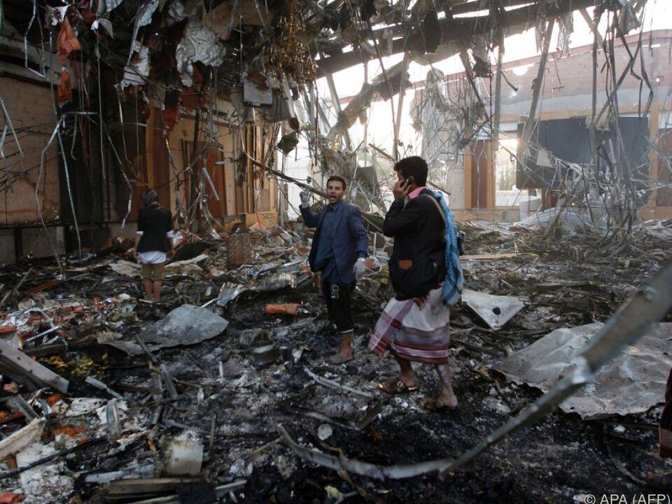 Luftangriff durch von Saudi-Arabien angeführte Militärkoalition