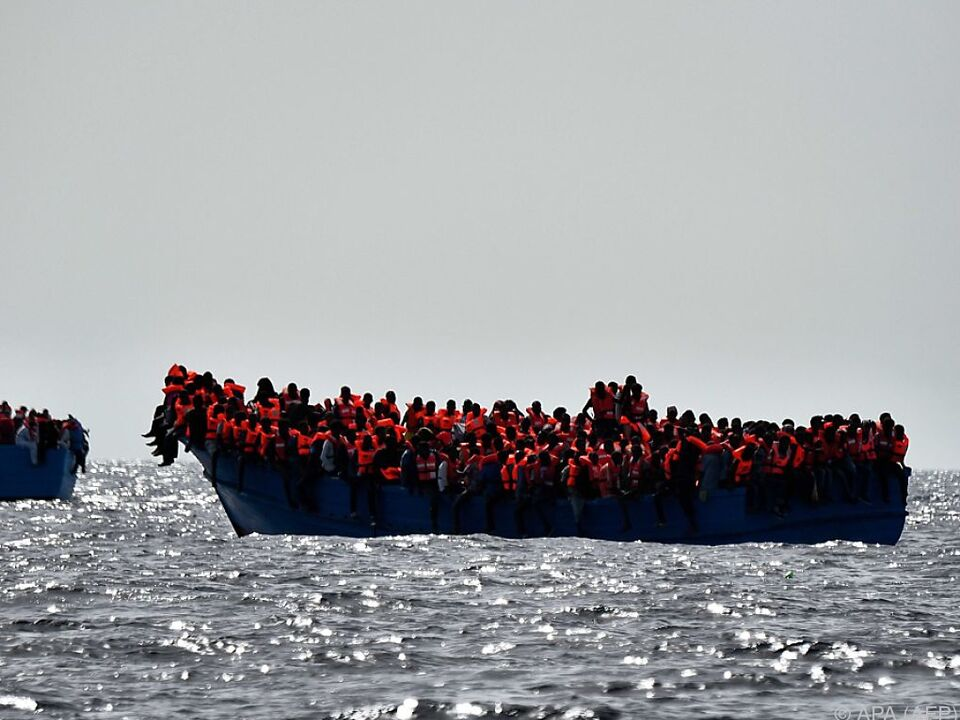 Mehr als 90.000 Flüchtlinge im Mittelmeer vor dem Ertrinken gerettet