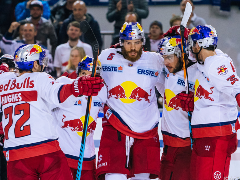Meister Salzburg bleibt an der Spitze