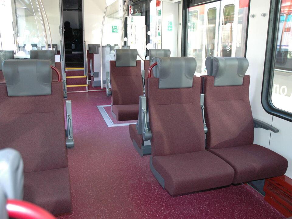 Neue Zugsitze Zug Flirt
