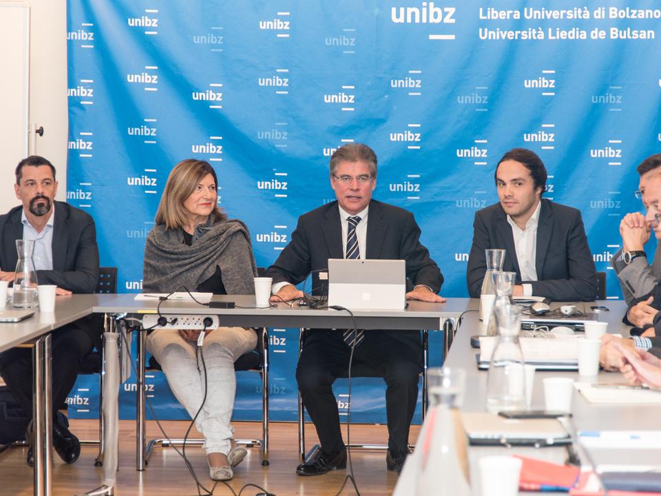 Pressekonferenz Achammer Uni