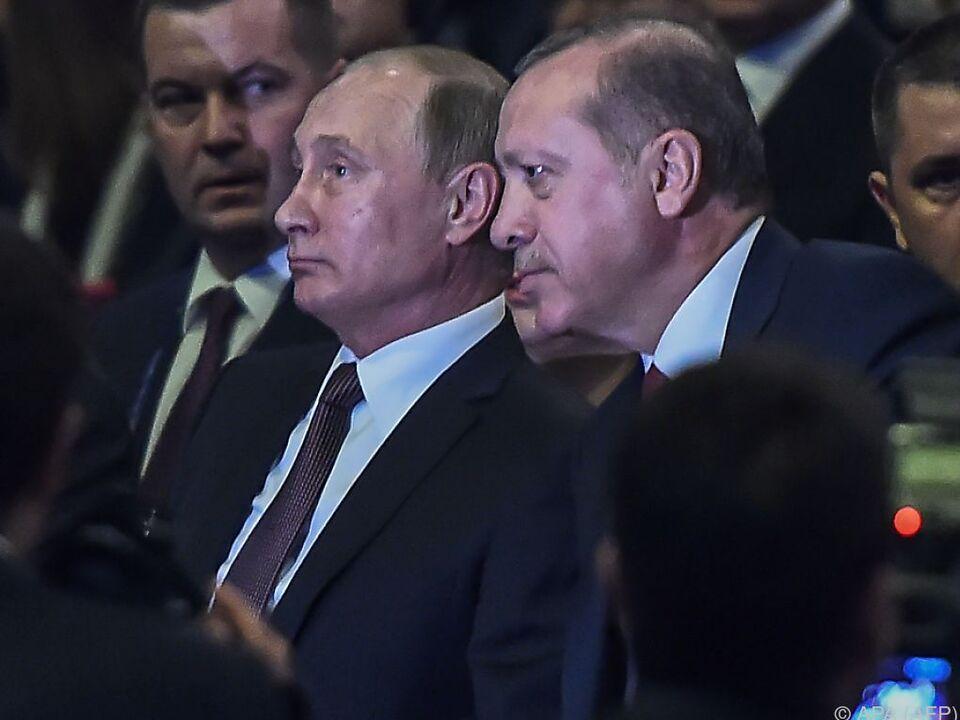 Putin und Erdogan bei Eröffnung des Weltkongresses für Energie