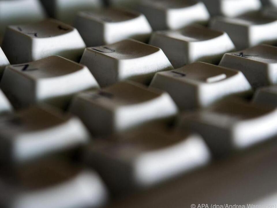 Stiftung Warentest hat sich Mini-Pcs und PC-Sticks näher angeschaut computer