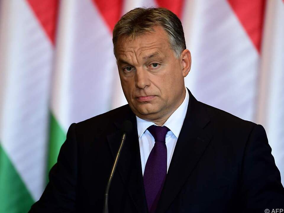 Trotz gescheitertem Referendum kündigt Orban Verfassungsänderung an