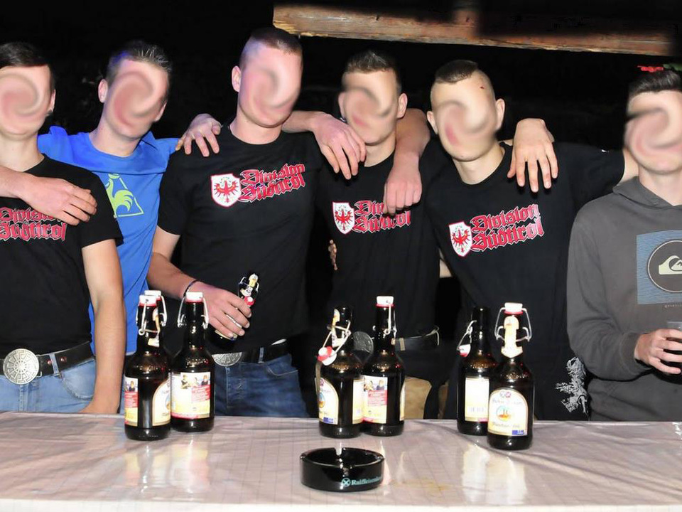 Antifa Meran-neonazi-T-shirts Südtirol