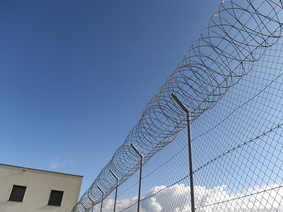 Der Verteidiger beruft die lebenslange Freiheitsstrafe