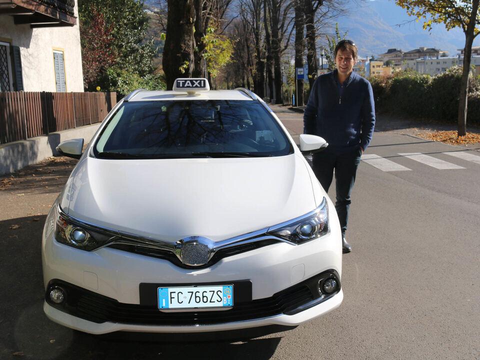 meran hybrid taxi